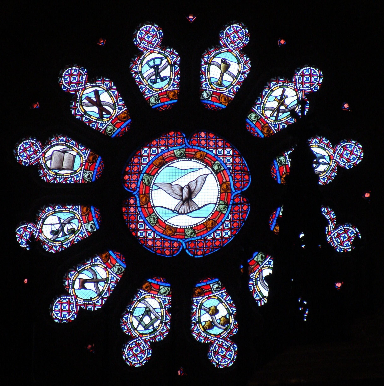 Rosace création « les apôtres », église de Vémars (95)